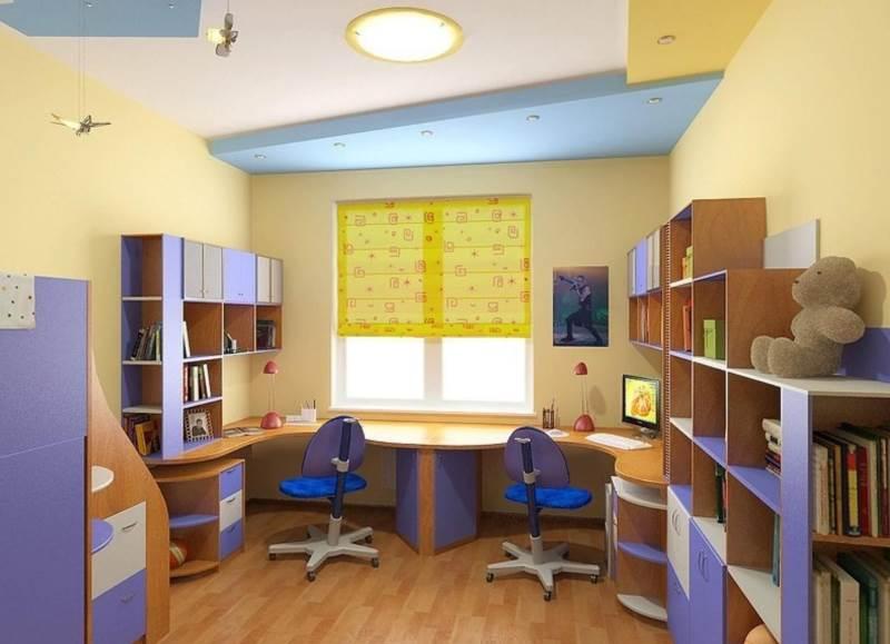 сочетание желтых и синих тонов в спальне