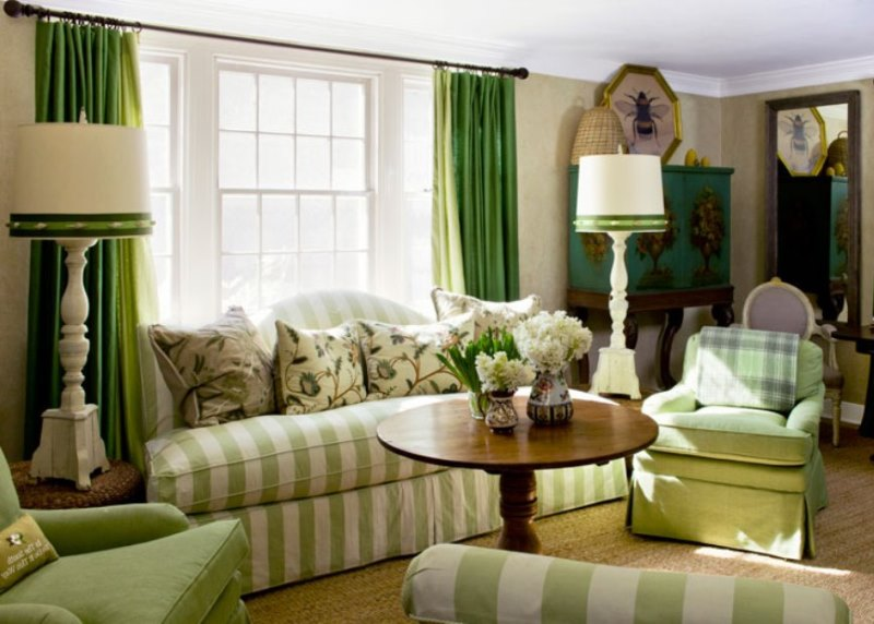 в зеленой гостиной