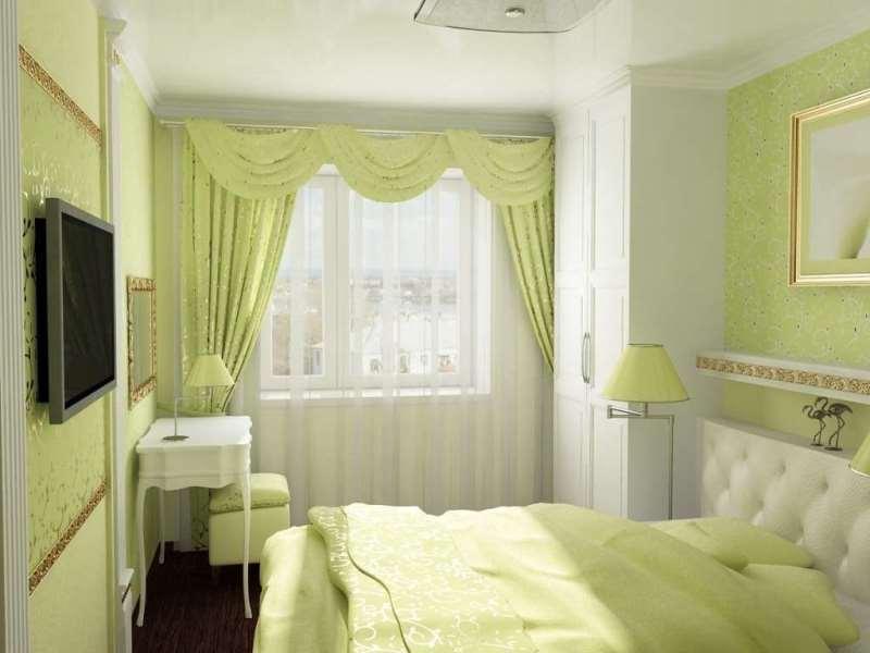 Асимметричные шторы в классической спальне
