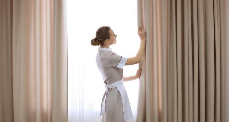 Сухая чистка штор в домашних условиях